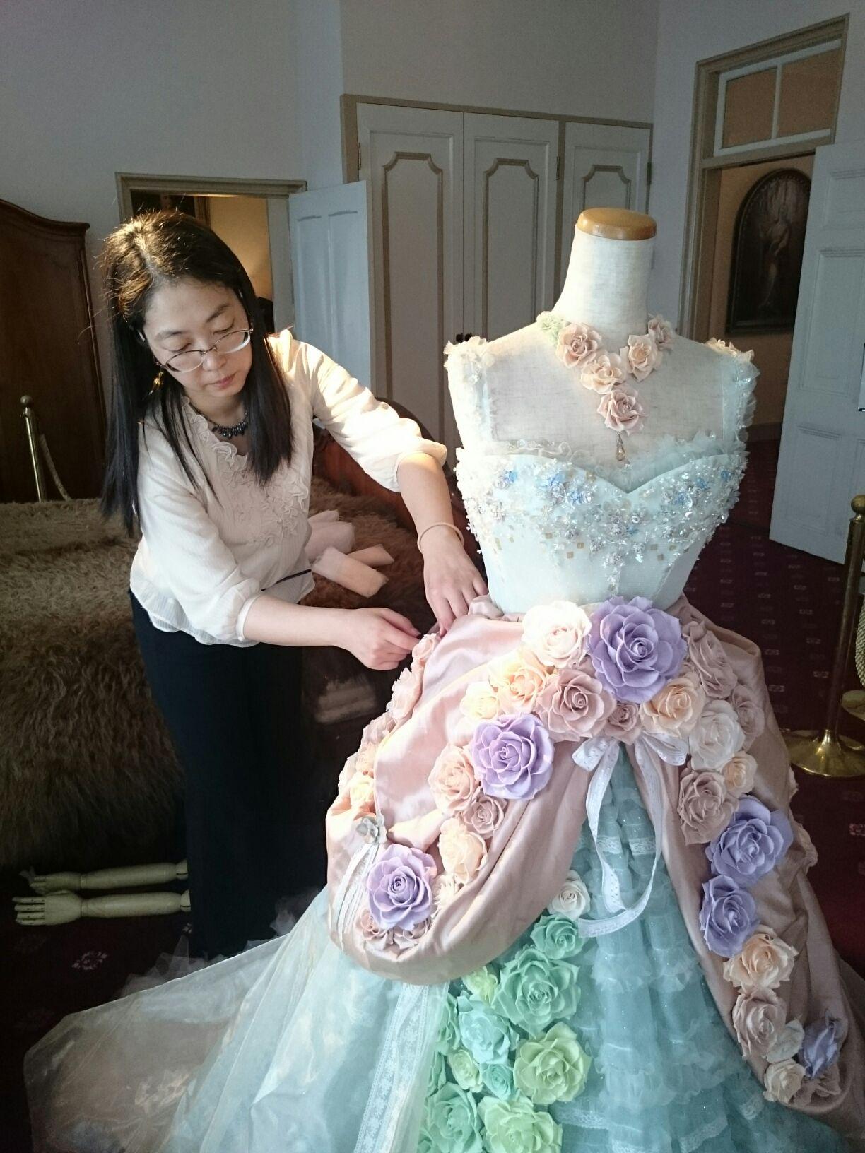 ドレス作品は現場で仕上げる方が多いです