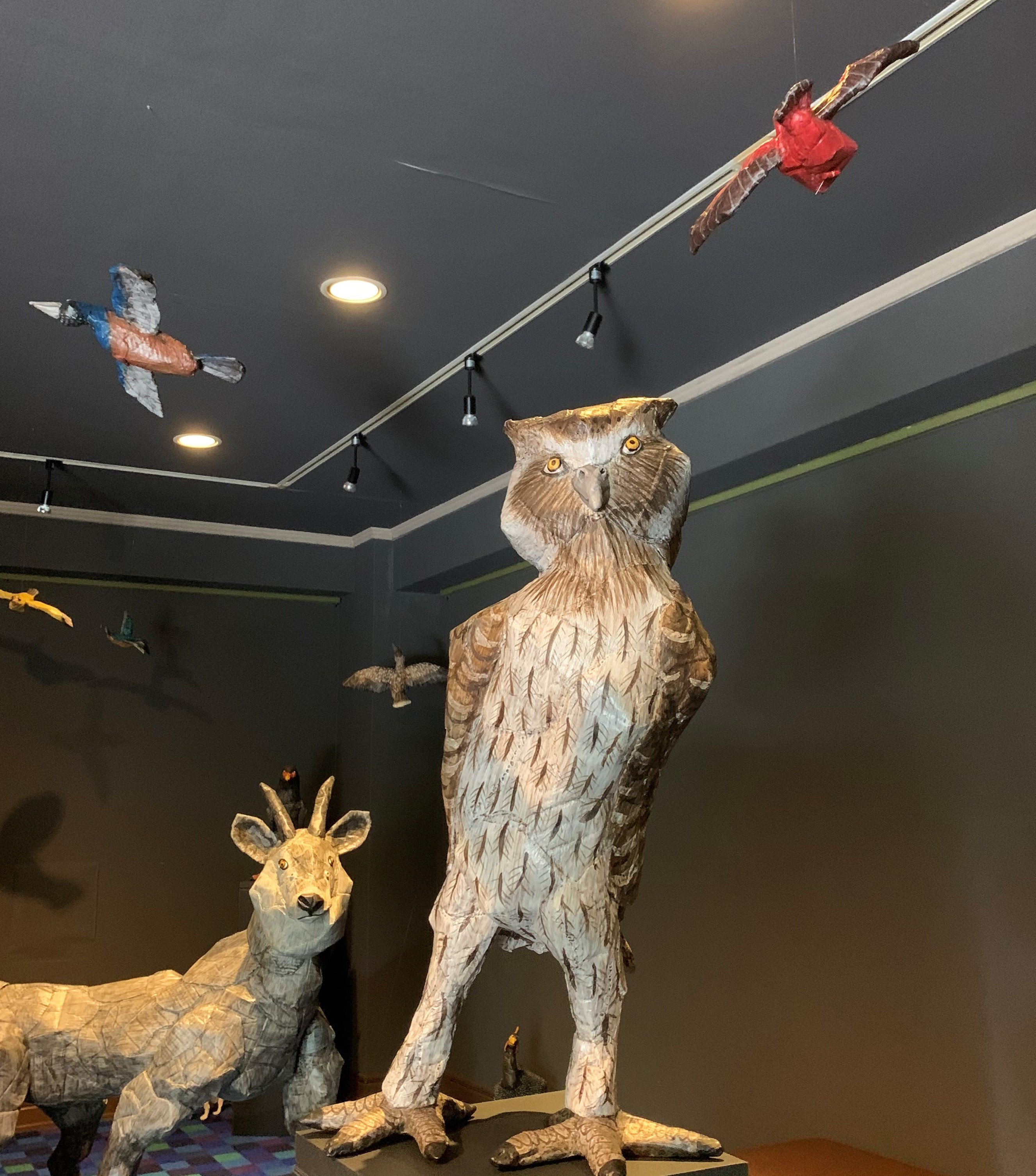 本濃研太ダンボール彫刻展「僕たちがいる」